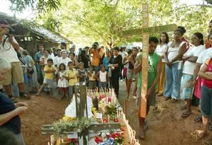 Agricultores fazem homenagem à missionária americana Dorothy Stang, assassinada em Anapu, cidade do Oeste do Pará Foto: Ailton de Freitas / 17/02/2005 Agência O Globo