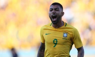 Gabigol comemora um dos gols da seleção brasileira Foto: Ailton de Freitas/Agência O Globo