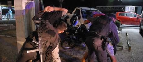 Policiais prendem suspeitos de atos de vandalismo em Natal Foto: Divulgação - Secretaria de Segurança do RN