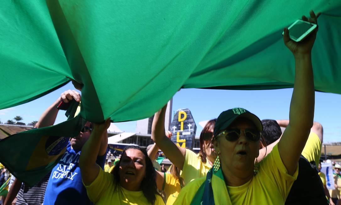 Manifestantes pedem o fim da corrupção no país Ailton de Freitas / Agência O Globo