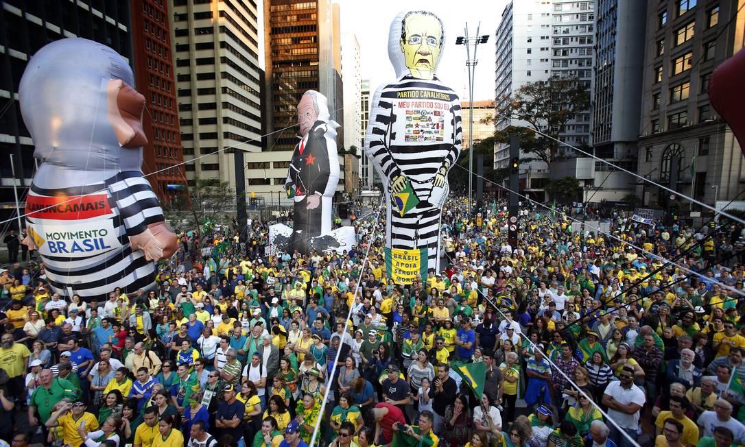 Manifestação a favor do impeachment da presidente afastada Dilma Rousseff, na Avenida Paulista, em São Paulo Edilson Dantas / Agência O Globo