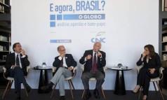 Da esquerda para a direita, Merval Pereira, Jose Marcio Camargo, José Pastore e Míriam Leitão Foto: Adriana Lorete / Agência O Globo