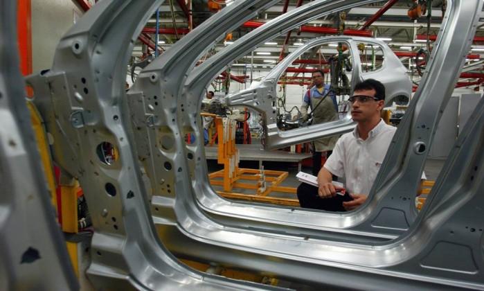 Produção industrial brasileira cresce pelo quarto mês consecutivo
