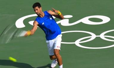 Novak Djokovic treina no Rio Foto: LUIS ACOSTA / AFP
