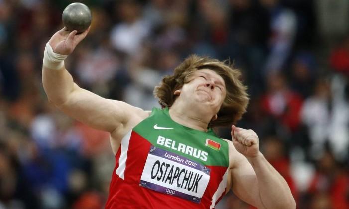 Atleta bielorrussa Nadzeya Ostapchuk durante os jogos de Londres em 2012. Ostapchuk perdeu a medalha de ouro no arremesso de peso após confirmação do uso de doping Foto: Matt Dunham / AP