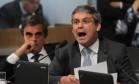 Lindberg Farias (PT-RJ) defende Dilma Rousseff na comissão do impeachment Foto: Ailton de Freitas / Agência O Globo