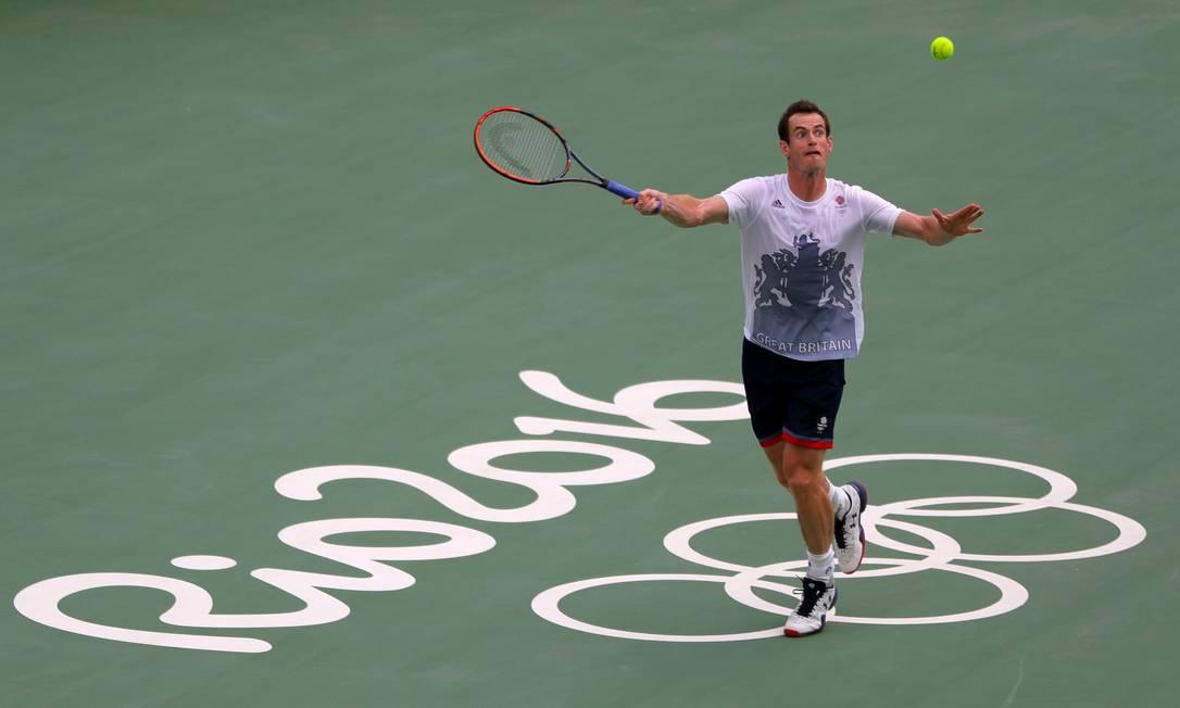 Atual campeão olímpico, o tenista Andy Murray vai carregar a bandeira da Grã-Bretanha Vadim Ghirda / AP