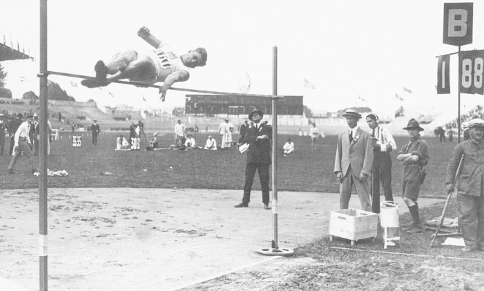 Harold Osborn, vencedor do decatlo na Olimpíada de 1924, em Paris Foto: COI