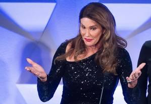 Caitlyn Jenner fala durante a premiação do GLAAD, em Nova York Foto: Charles Sykes / AP