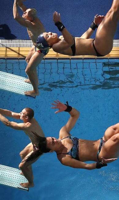 Mergulhadores da Rússia e do Brasil participam de treinamento antes dos Jogos Olímpicos de 2016 Wong Maye-E / AP