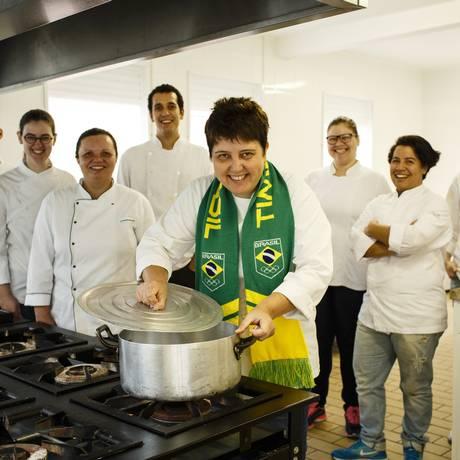 Roberta Sudbrack e equipe Foto: Fernando Lemos / Agência O Globo