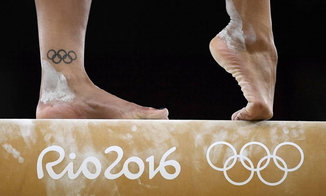 Ginastas de diversos países treinam na Arena Rio, no Parque Olímpico, na Barra da Tijuca DYLAN MARTINEZ / REUTERS