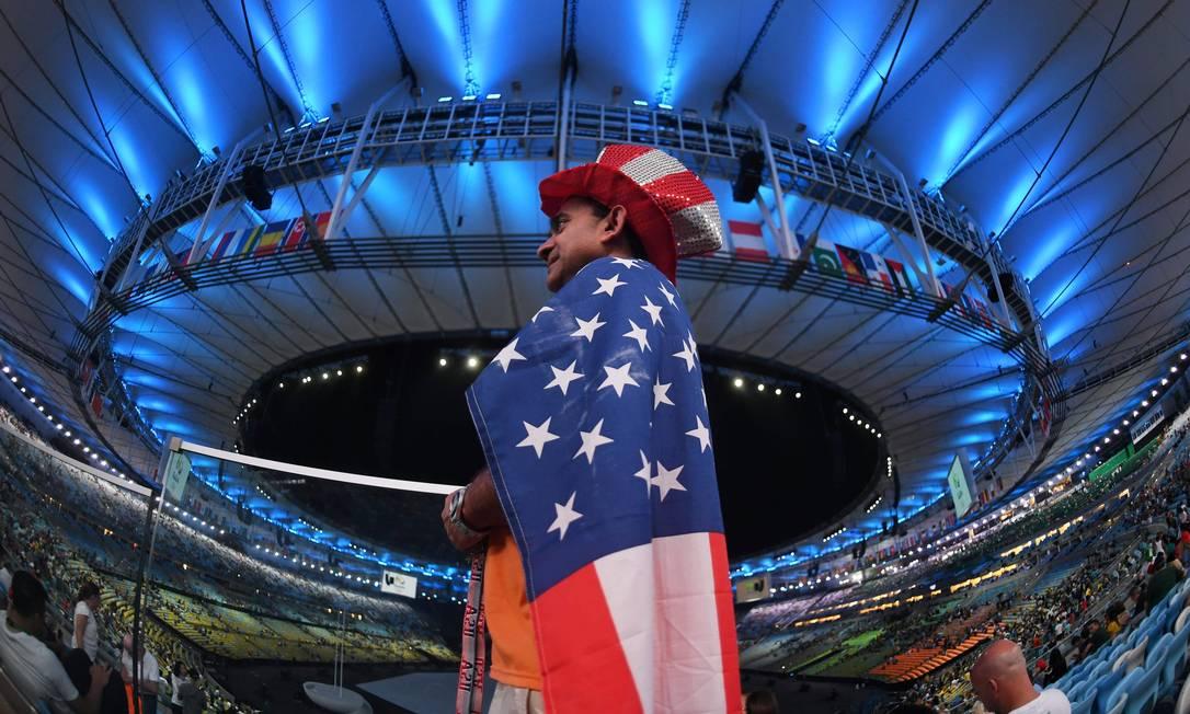 O Tio Sam presente na Maracanã para ver a delegação dos EUA passar, e muito mais CHRISTOPHE SIMON / AFP