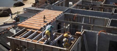 Construção de unidades do programa Minha Casa, Minha Vida, em Florianópolis Foto: Márcia Foletto / Márcia Foletto/10-8-2015