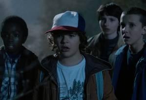 O elenco infantil de 'Stranger things': Caleb McLaughlin, Gaten Matarazzo, Finn Wolfhard e Millie Bobby Brown Foto: Netflix / Divulgação
