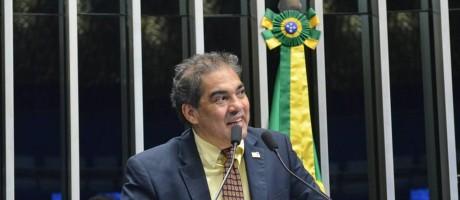 """O senador Hélio José (PMDB-DF) foi gravado dizendo que indica """"quem quiser"""", até uma melancia para a Secretaria de Patrimônio da União Foto: Agência Senado"""