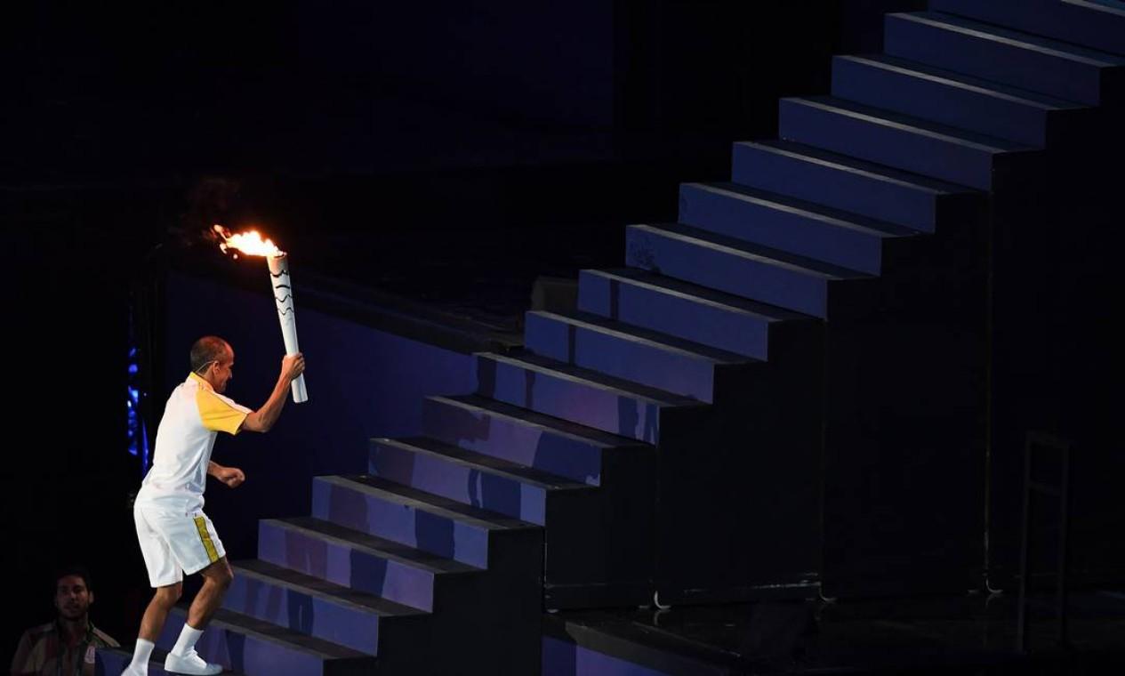 Após a desistência de Pelé, Comitê Rio 2016 optou pelo medalhista de bronze na Olimpíada de Atenas 2004 Foto: ROBERTO SCHMIDT / AFP