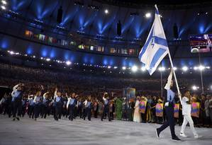 Delegação de Israel na abertura da Olimpiada Foto: KAI PFAFFENBACH / REUTERS