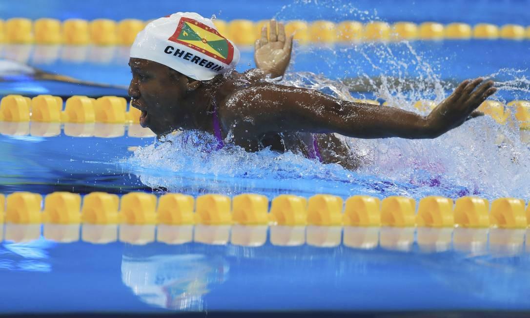 Oreoluwa Cherebin (GRN) de Granada nos 100m borboleta feminino DOMINIC EBENBICHLER / REUTERS