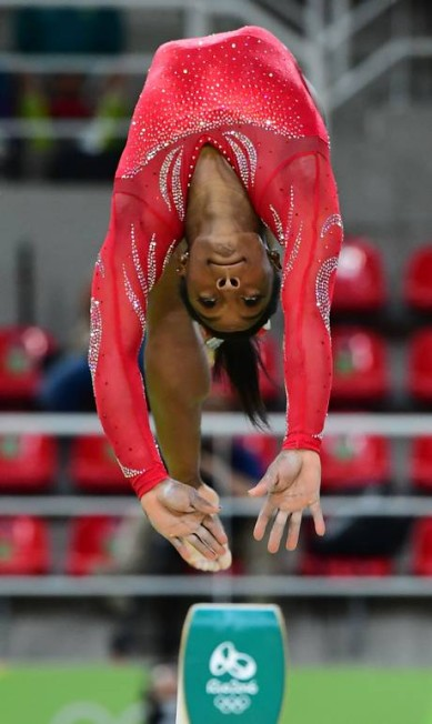 Simone Biles na trave da ginástica artística EMMANUEL DUNAND / AFP