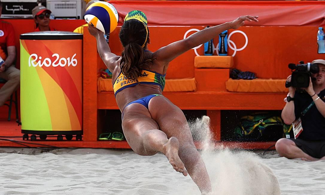 Volei de Praia feminino - Brasil (Agatha/Bárbara) x República Tcheca (Hermannova/Slukova) Jorge William / Agência O Globo