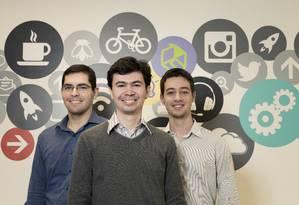 Maurício, Thiago e Rafael são sócios-fundadores da empresa incubada OptimaTech Foto: Leo Martins / Agência O Globo