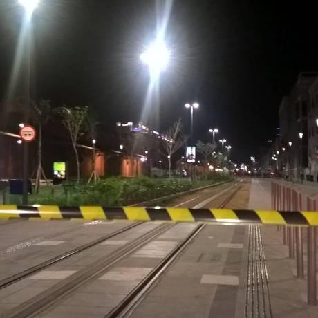Trecho da Praça Mauá foi isolado após suspeita de bomba Foto: Rafael Massadar