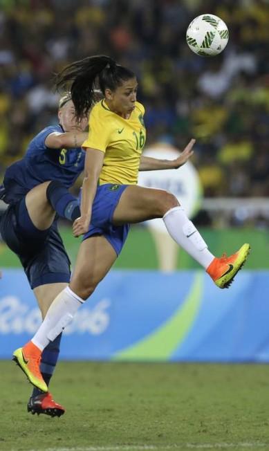 Goleada foi por 5 a 0 e classificou o Brasil para as quartas de final antecipadamente Leo Correa / AP