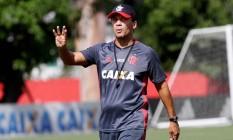 Zé Ricardo está entusiasmado com o empenho do elenco do rubro-negro Foto: Gilvan de Souza / Flamengo