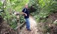 Pedro da Cunha Menezes está finalizando o mapeamento da trilha Transcarioca