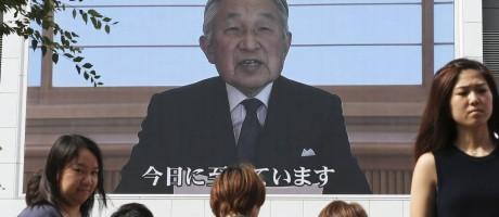 Akihito faz um pronunciamento pouco habitual à nação Foto: Koji Sasahara / AP