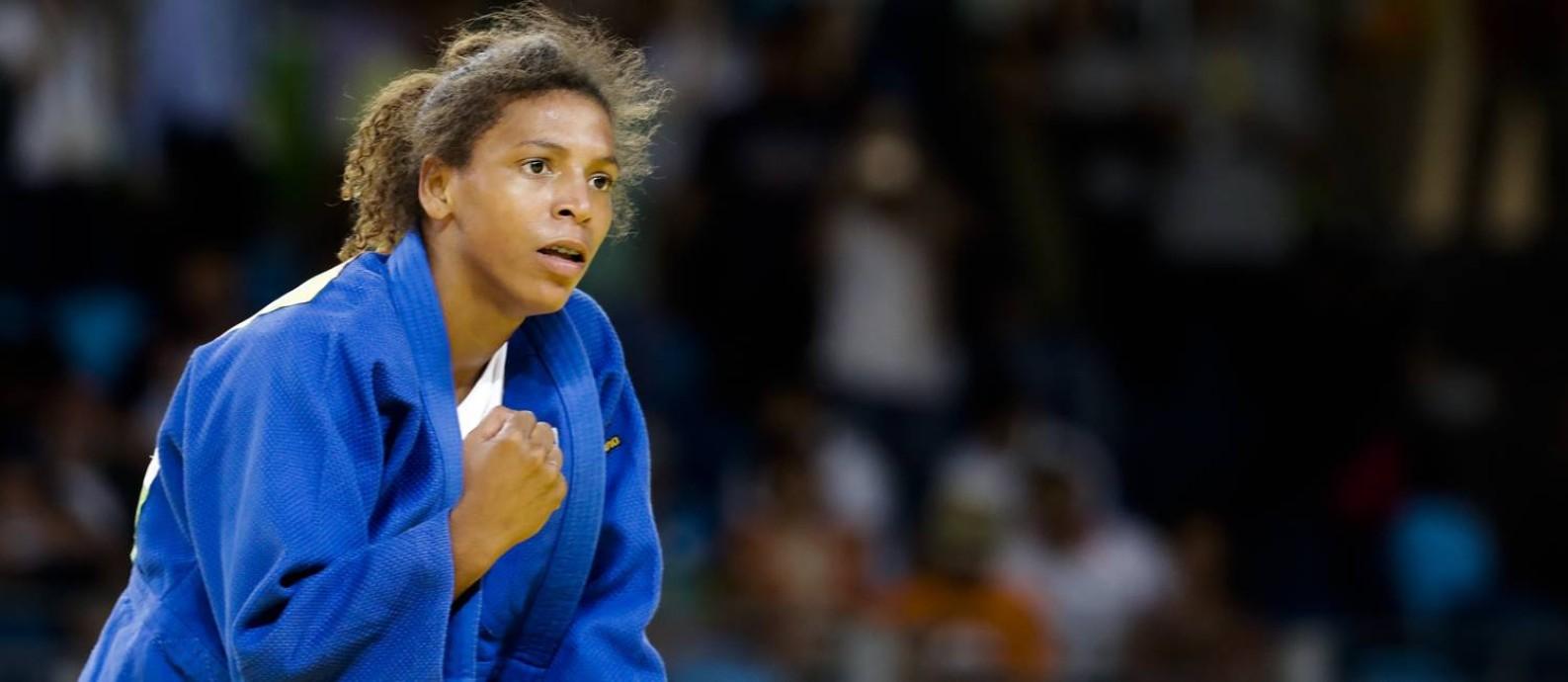 A carioca Rafaela Silva comemora o ouro olímpico Foto: Markus Schreiber / AP