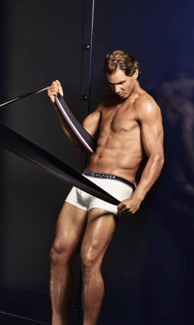 Nadal nos bastidores da campanha: corpo sarado não é truque de Photoshop Divulgação