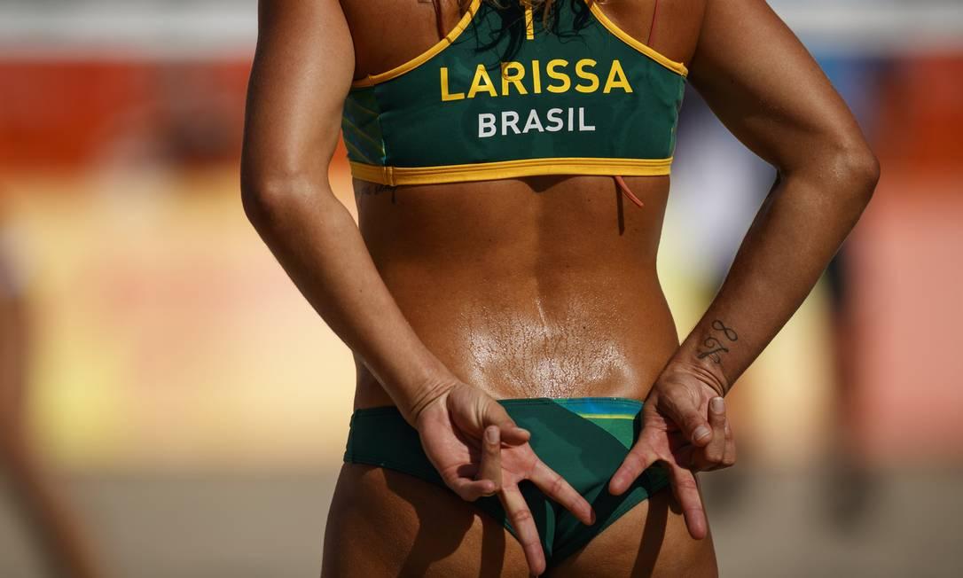 Larissa, na manha deste domingo enfrentou a dupla russa Ukolova e Birlova, na Arena de Volei de Praia em Copacabana, Rio de Janeiro. Daniel Marenco / Agência O Globo