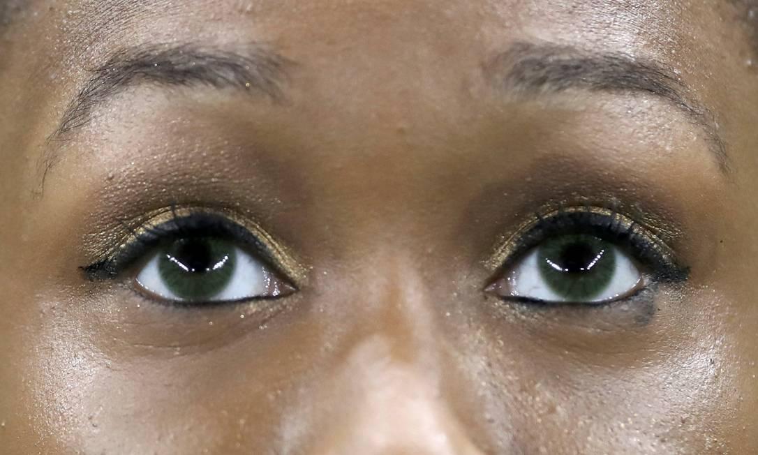 Toni-Ann Williams, ginástica da Jamaica aguardando o resultado. DAMIR SAGOLJ / REUTERS