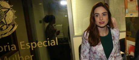 A estudante Patrícia Lélis denuncia o deputado Marco Feliciano por abuso sexual Foto: Ailton de Freitas / Agência O Globo