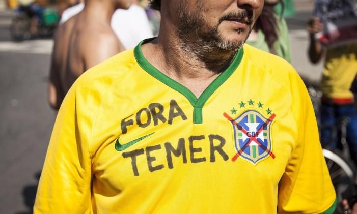 Torcedores fazem protestos durante competições Foto: Hermes de Paula / Agência O Globo