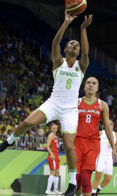 O primeiro quarto do Brasil deu a impressão de que o jogo seria tranquilo, quando o time chegou a abrir 18 pontos de diferença SHANNON STAPLETON / REUTERS