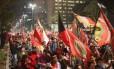 Manifestantes fazem protesto na Avenida Paulista contra o governo Temer
