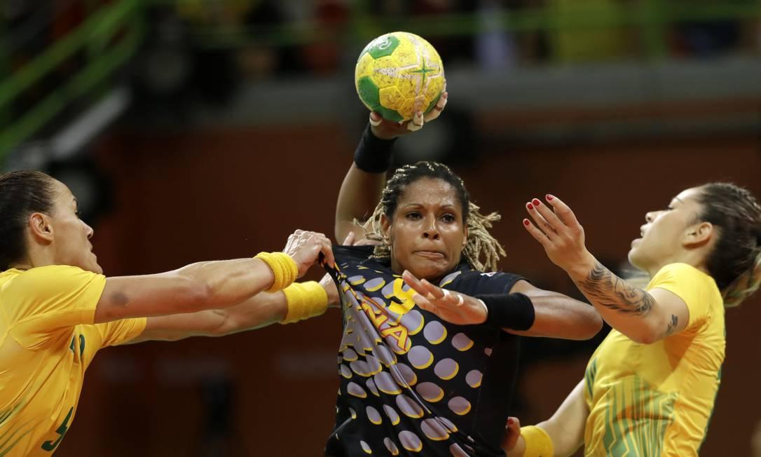 Brasil x Espanha no Handebol feminino na Arena do Futuro Ben Curtis / AP