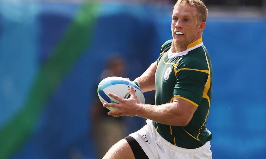 Tem careta no rugby sul-africano também. Corre, Kyle Brown! PHIL NOBLE / REUTERS
