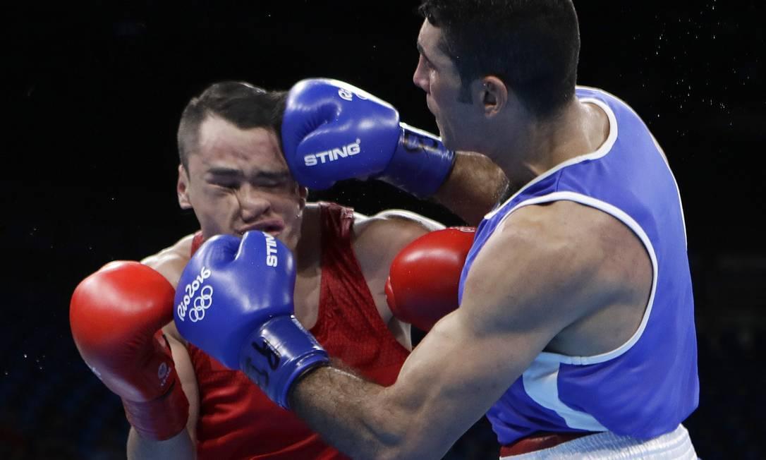 O Misael Rodriguez, boxeador mexicano, está perdoado. Como sair bem na foto nesta situação? Frank Franklin II / AP