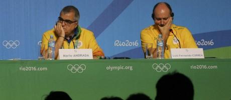 Os diretores do Rio-2016 de Comunicação, Mario Andrada, e Segurança, Luiz Fernando Corrêa, durante entrevista coletiva Foto: KEVIN COOMBS / REUTERS