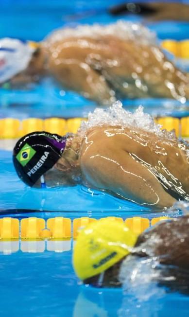 Acima do brasileiro aparece o americano Michael Phelps, vencedor da bateria Daniel Marenco / Agência O Globo