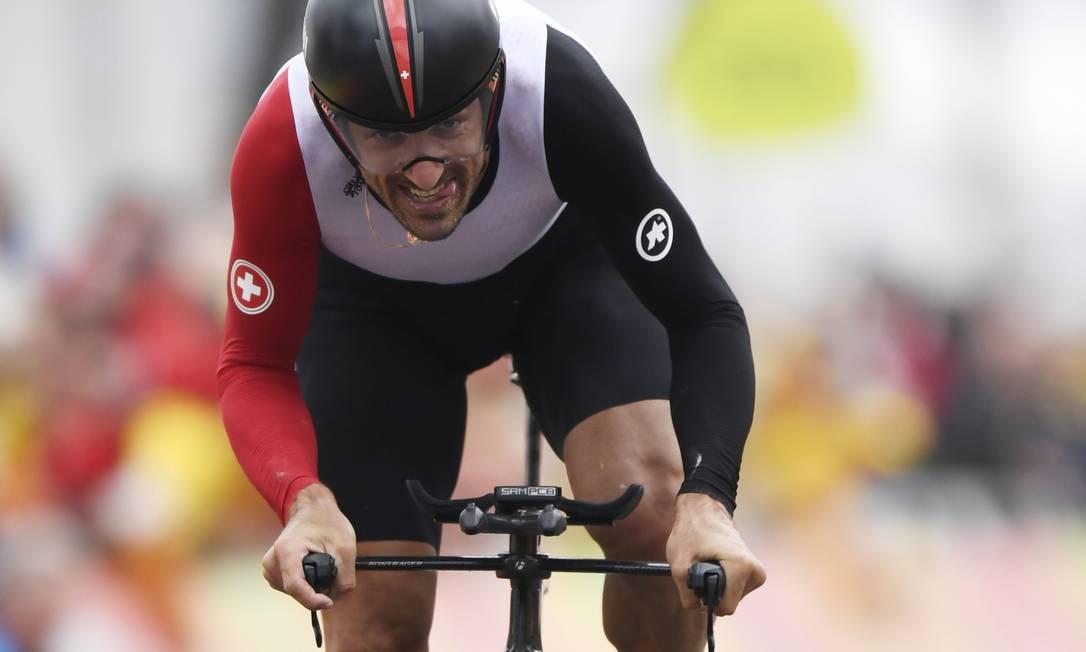 Fabian Cancellara, 35 anos, repete no Rio o ouro que conquistou em Pequim-2008. Ele cumpriu os 54,5 km da prova em 1h12m15s ERIC FEFERBERG / AFP