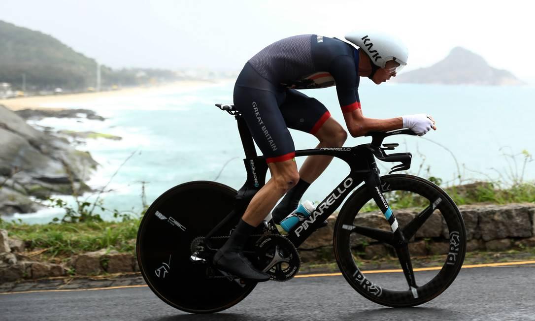 Tricampeão do Tour de France, o britânico Chris Froome ficou com o terceirlo lugar e a medalha de bronze no contrarrelógio Bryn Lennon / AP