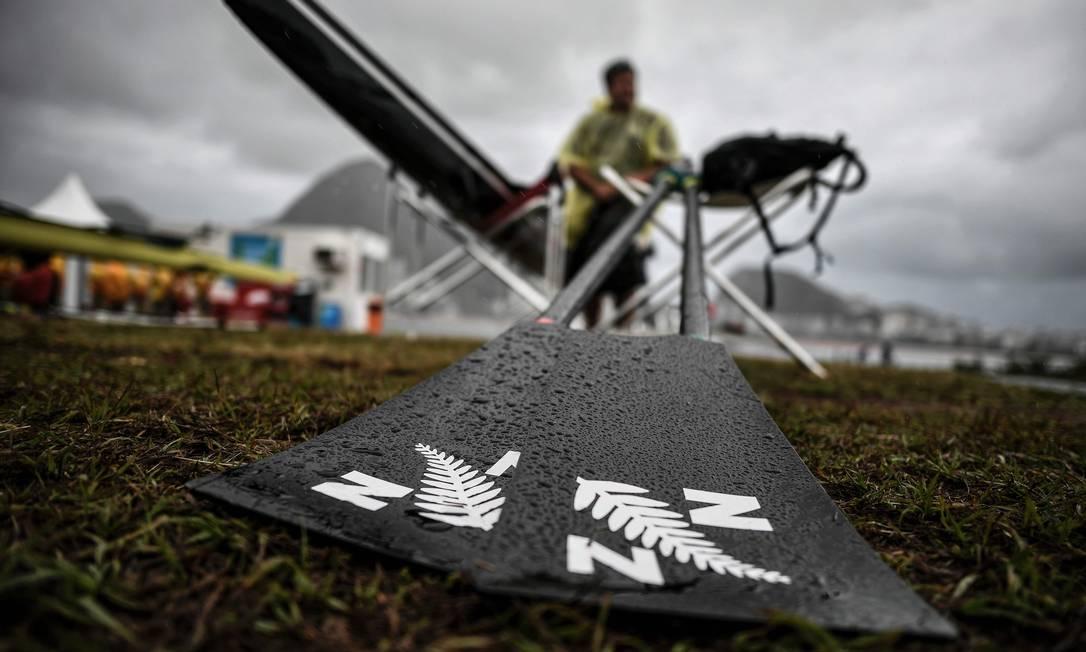 Já se adimite que o remo vá usar um dia a mais do que estava previsto no calendário olímpico JEFF PACHOUD / AFP