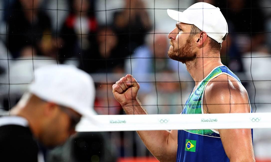 Vibração: partida foi vencida por 2 sets a 0 Jorge William / Agência O Globo