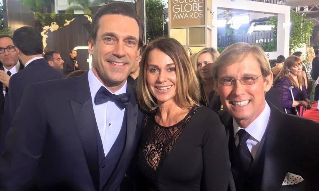 Presença no Globo de Ouro em janeiro, Nadia tietou o galã Jon Hamm, de 'Mad Men' Reprodução/Facebook