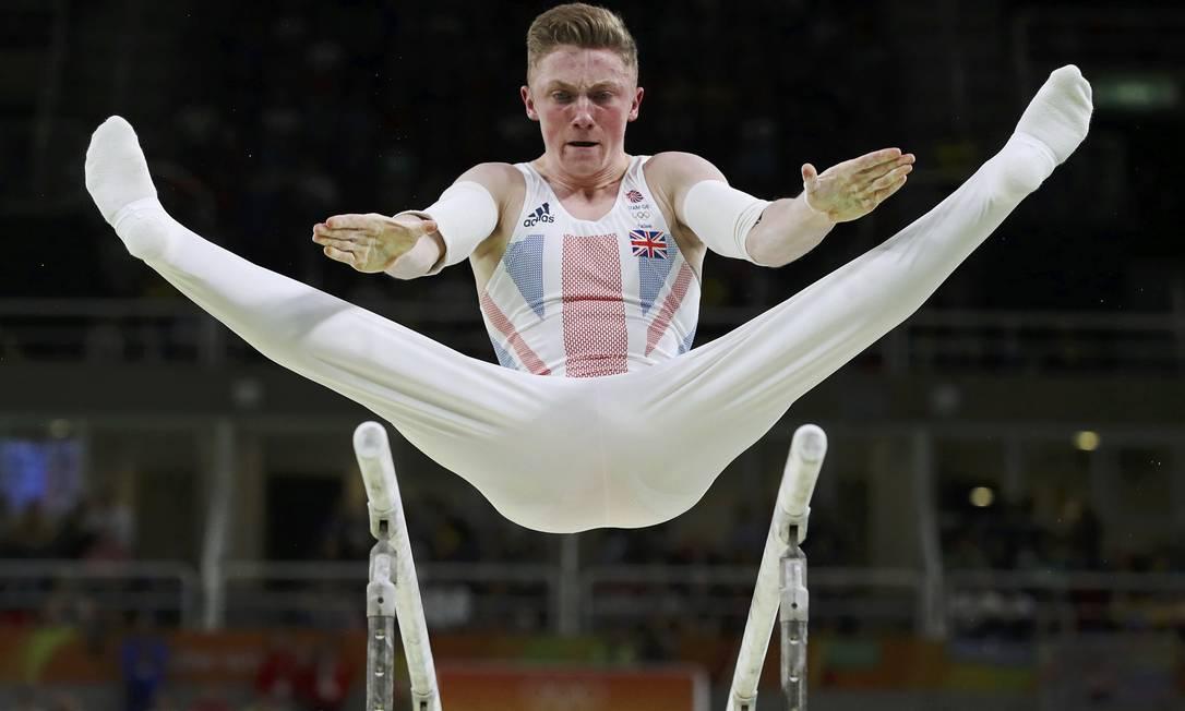 O britânico Nile Wilson durante a competição das barras paralelas na final individual DAMIR SAGOLJ / REUTERS